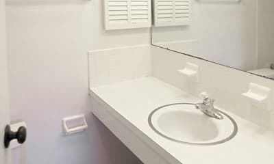 Bathroom, Broadmoor Apartments, 2