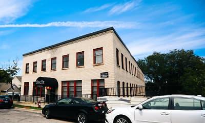 Building, 215 5th Street NE, 1