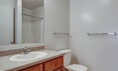 Bathroom, Emerald Park & Emerald Woods Apartments, 2