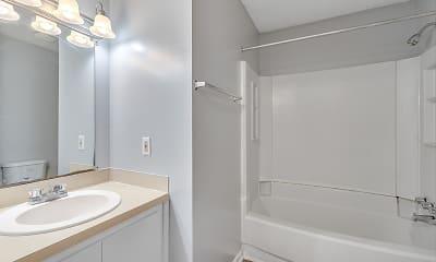 Bathroom, Villas at Summer Creek Apartments, 2