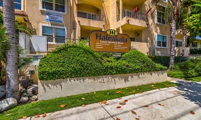 Community Signage, Haleakala Luxury Apartment Homes, 2