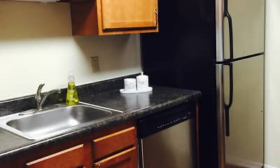 Kitchen, Pembroke Lake Apartments, 2
