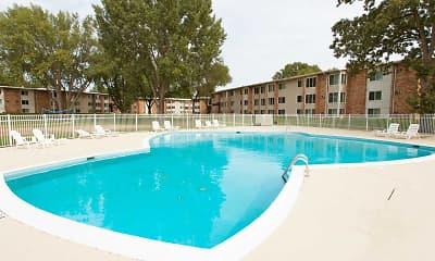 Pool, Lake Pointe, 1