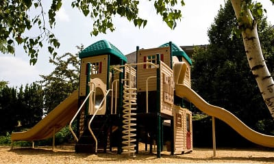 Playground, Park Crest Terrace Apartments, 2