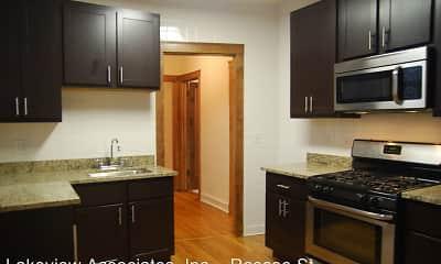 Kitchen, 1535 W Addison Apartments, 1