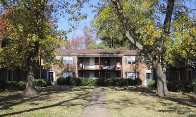 Building, Ashley Trace Apartments, 2