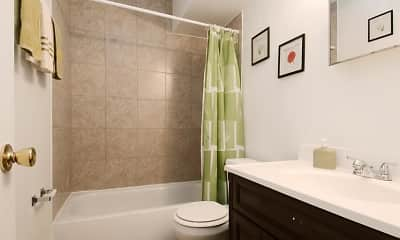 Bathroom, Pangea Cedars Apartments, 2