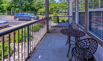Patio / Deck, Woodbriar, 1