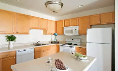Kitchen, Hampton Run Apartments, 1