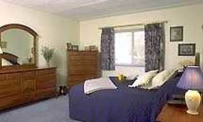 J.E. Furnished Apartments Quincy, 1
