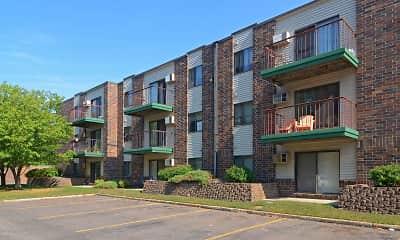 Building, Pine Pointe Apartments, 1