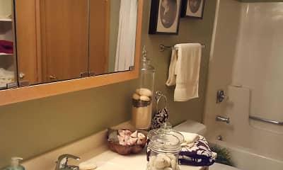 Bathroom, Crossings at Elver Park, 2