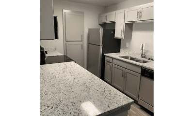 Kitchen, Magnolia Pointe at Madison, 2