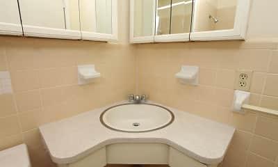 Bathroom, Lindru Gardens, 2