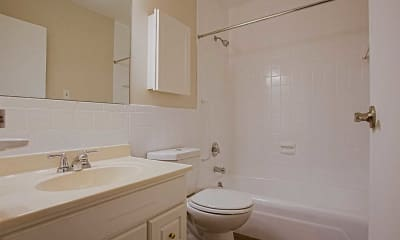 Bathroom, Rockingham Glen, 2