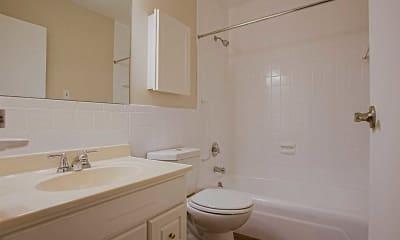 Bathroom, Rockingham Glen, 2