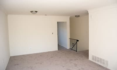 Living Room, Brookwood at Islip, 2