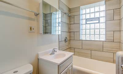 Bathroom, 114 Clyde, 2