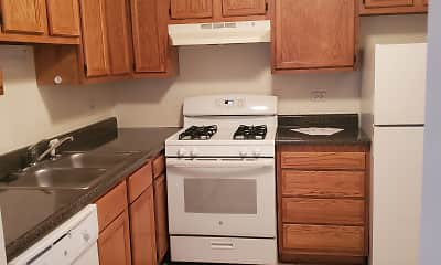 Kitchen, Beech Pointe Apartments, 2