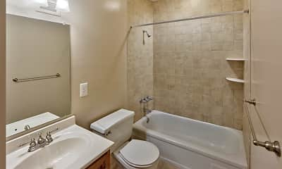 Bathroom, Chestnut House Apartments, 2