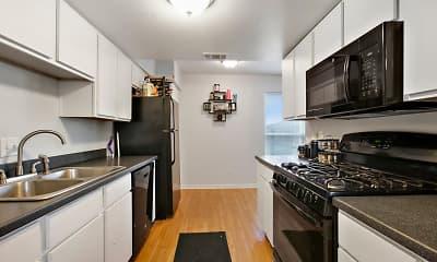 Kitchen, The Oasis at Midtown, 1