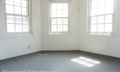 Patio / Deck, Edgehill Court, 1