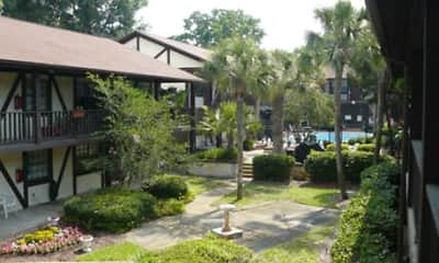 Courtyard, Lyn Village Apartments (Florida), 1