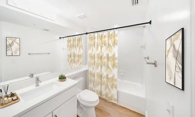 Bathroom, New River Cove Apartments, 2
