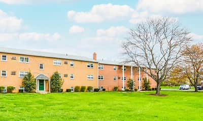 Building, Levittown Trace Apartments, 1