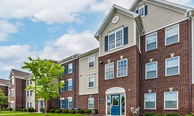 Building, River Hills Apartments, 0