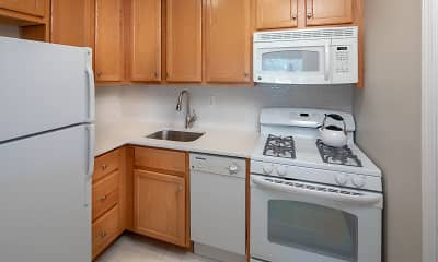 Kitchen, Saddle Brook Apartments, 2