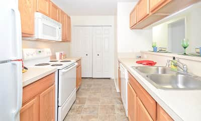 Kitchen, South Pointe Apartments, 0