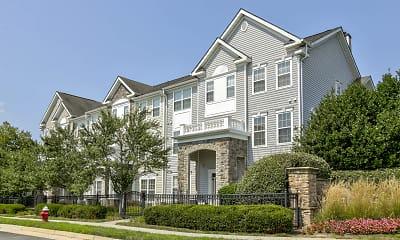 Broadlands Apartments, 1