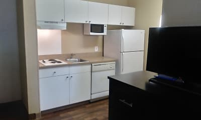 Kitchen, Furnished Studio - Kansas City - Overland Park - Metcalf Ave, 1