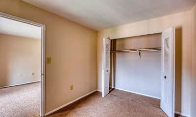 Bedroom, Oakton Park Apartments, 1