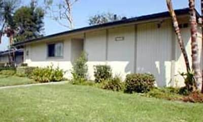 Building, Arbor Glen Apartments, 1