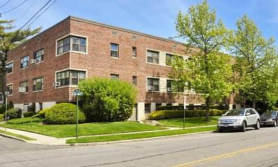 Building, Fairfield Cedarhurst Court, 0