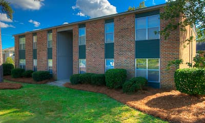 Building, Springtree Apartments, 2