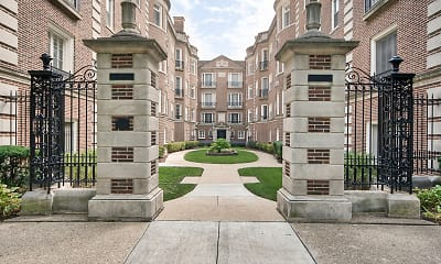 Courtyard, 1509 Hinman, 0