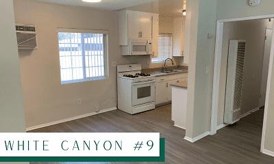 Kitchen, The Canyon at Santa Clarita, 2