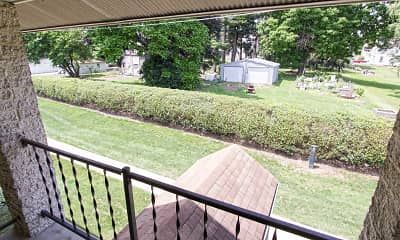 Patio / Deck, Park Court, 2