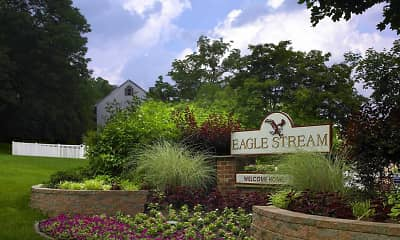 Landscaping, Eagle Stream Apartments, 0