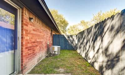 Patio / Deck, Ashtree Apts, 2