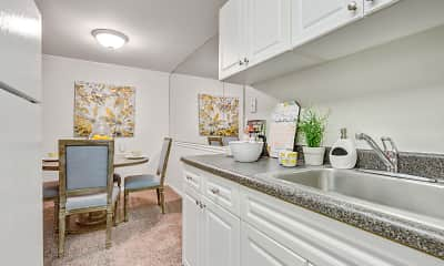 Kitchen, The Hamptons at Town Center, 1