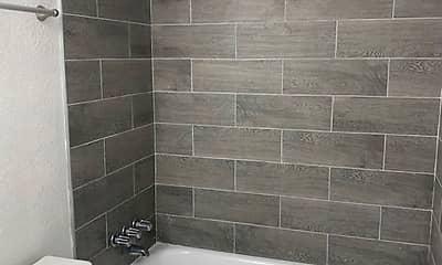 Bathroom, Topaz Gardens, 2