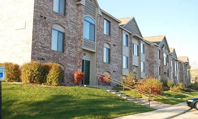Building, Oak Shores Apartments, 1