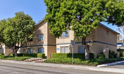 Building, Cedartree Apartments, 0