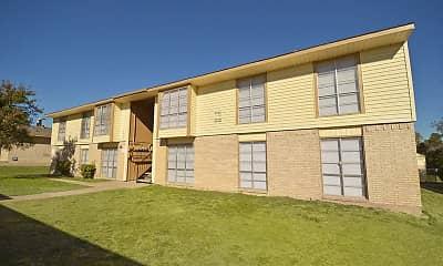 Building, Highland Hills Apartments, 2