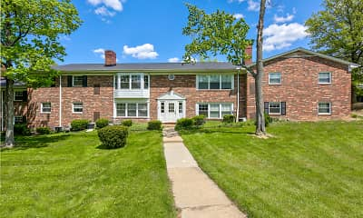 Carriage Hill, 1