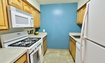 Kitchen, Lakewood Hills Apartments & Townhomes, 1
